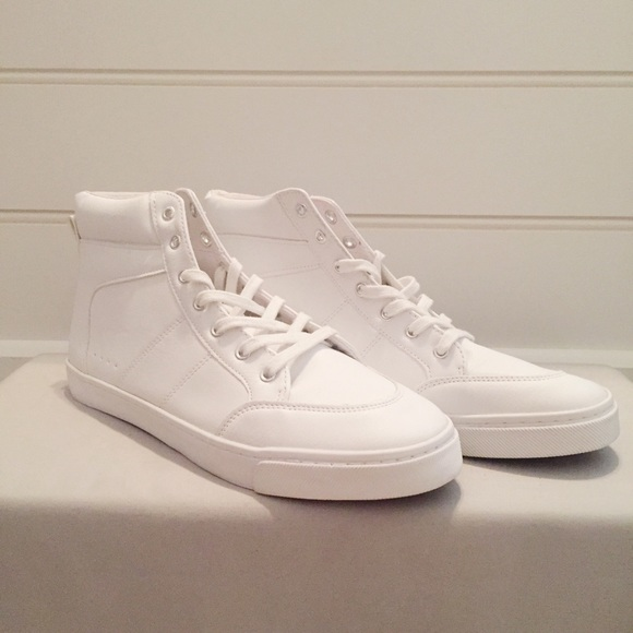 Old Navy Shoes   Old Navy Size White